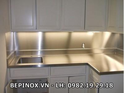 Mặt bàn bếp bằng Inox