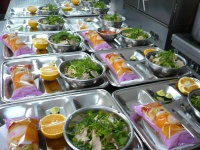 Cung cấp suất ăn công nghiệp đảm bảo vệ sinh cho trường học